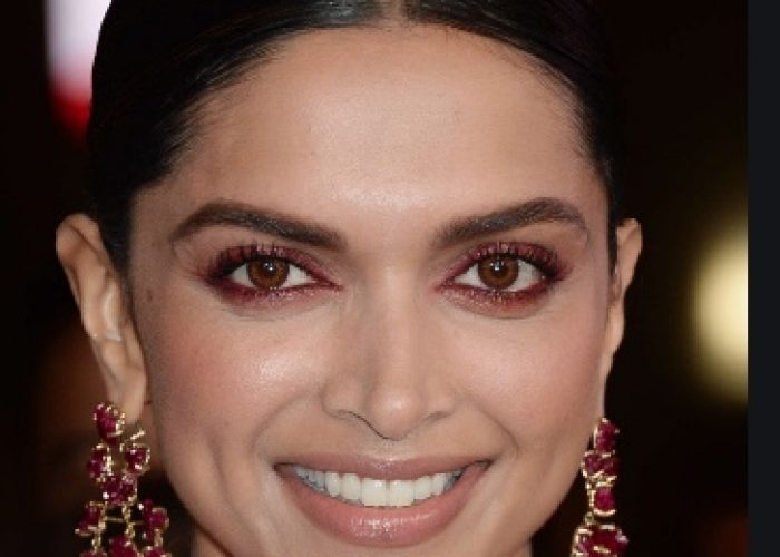 deepika close up shot 1